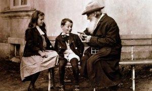 Leo-Tolstoy-with-his-gran-001